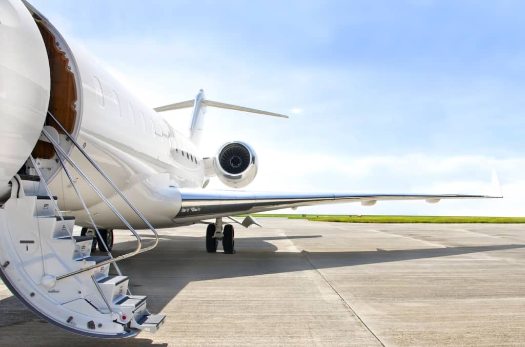 Things to Consider Before Buying a Private Jet Card